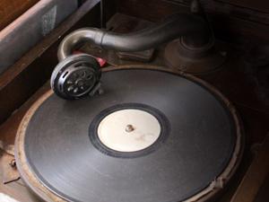 レコードブーム再来 蓄音機 注目